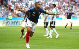 Russia 2018: Mbappe's double downs Argentina